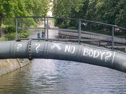 """Unknown artist: """"? ? X NO BODY?"""" (c) 12.5.2012 @ Admiralsbrücke (Graefekiez, Berlin)"""
