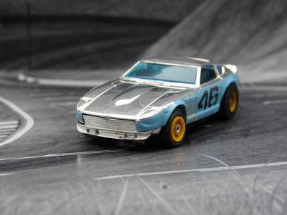 Datsun Z240 chrome / hellblau