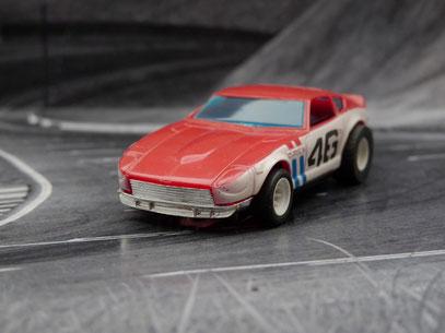 AURORA AFX G-Plus Bre Datsun 240Z rot / weiß blaue Streifen #46