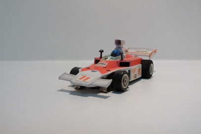 McLaren F1 weiß / hell pink Texaco #11