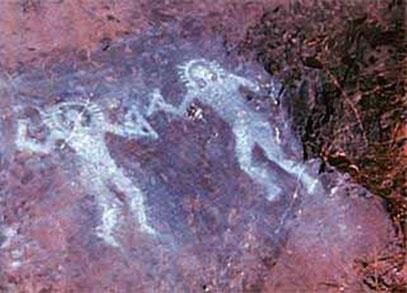Zeichnungen aus dem Val Camonica in Italien. Stellen die uralten Petroglyphen außerirdische Astronauten auf der Erde dar?