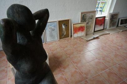 奥は、日本画の若手実力派作家、青木秀明氏の作品群。京都精華大学の講師でもあります。今回実に協力的に作品を用意してくれました。レベルの高い作品にはフィンランド美術人から沢山質問を受けました