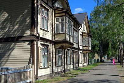 Pärnu, Holzhäuser an der Supeluse ...