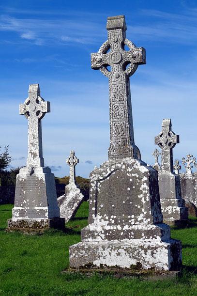 Clonmacnoise mit Hochkreuzen