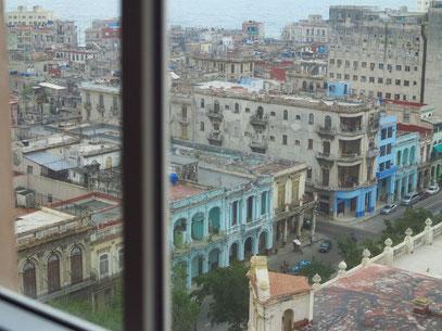 Blick vom Dachgeschoss des Hotels Sevilla auf Centro Habana