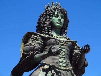 Skulptur im Jardim do Passeio dos Heróis do Mar