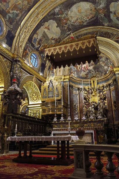 Altarraum, linke Seite