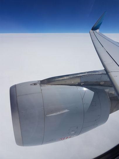 Rückflug nach Düsseldorf, geschlossene Wolkendecke über der Adria