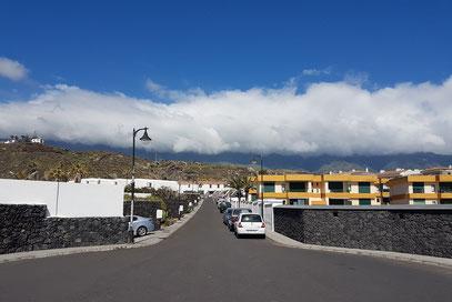 Los Cancajos mit Passatwolke über der Cumbre (10:35 Uhr MEZ-1)
