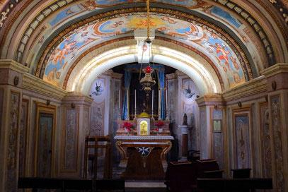 Im Palast befindet sich eine Privatkapelle ...