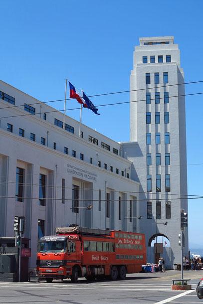 Valparaíso, unser Rotel-Bus auf der Sotomayor