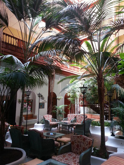 Patio des Hotels Metropol