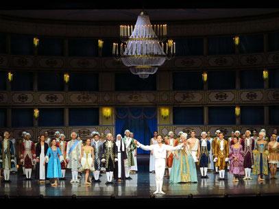 Applaus für Casanova in Warschau; Vladimir Yaroshenko als Casanova