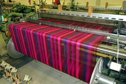 Avoca Handweavers, einer der mechanischen Webstühle.