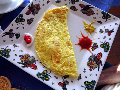 Omelette mit Käse zum Frühstück
