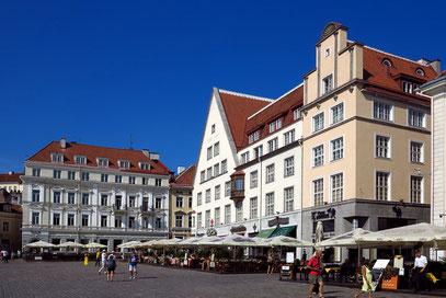 Rathausplatz (Raekoja Plats), das Zentrum von Tallinn