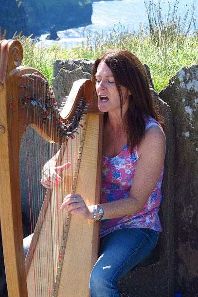 Tina Mulrooney, traditional Irish Singer