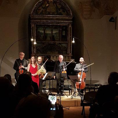 Applaus. Lidia Ciocchetti und das Hadimova-Streichquartett