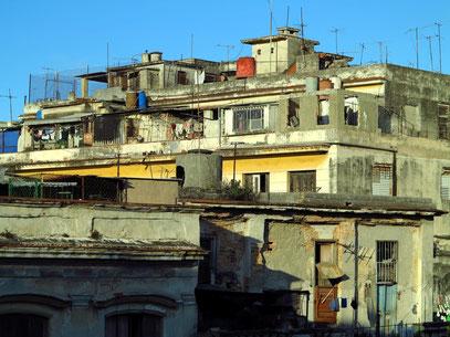 In der kolonialen Altstadt, östlich des Paseo de Martí