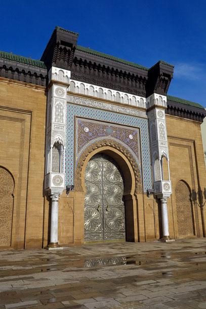 Casablanca. Tor des Königlichen Palastes von Mohammed VI.