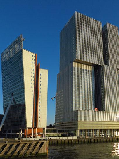 KPN-Tower (links) und Teil von De Rotterdam