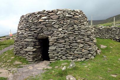 Caher Conor. Bienenkorbhütte mit falschem Gewölbe
