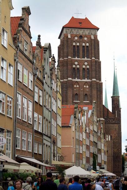 Kirchturm der Marienkirche (1343-1502), größte Backsteinkirche Europas