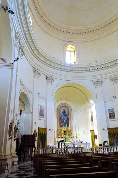 Mgarr. Inneres der Kirche Sta. Maria