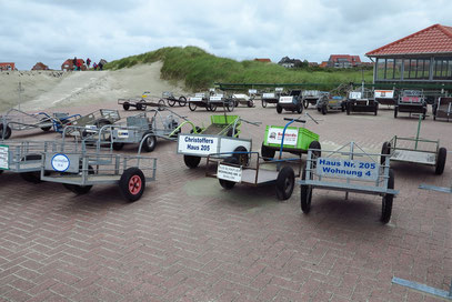 Handkarren auf der autofreien Insel Baltrum