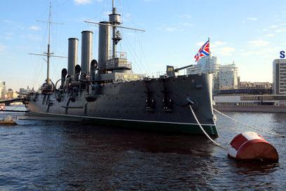 Der Kreuzer Aurora, Symbol der Oktoberrevolution von 1917.