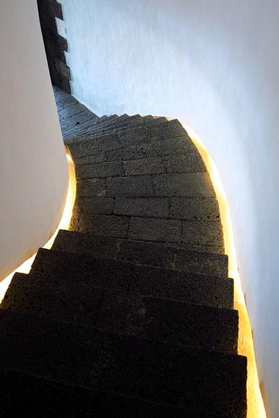 Verbindungstreppe vom Museum hinunter zum Restaurant