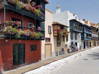 Balkone an der Avenida Marítima