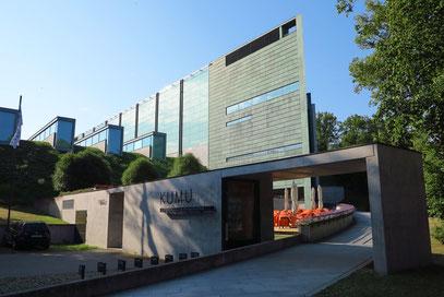 Kunstmuseum (KUMU) von 2006. Architekt: Pekka Vapaavuori