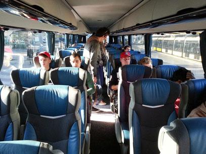 Moderner Fernbus REGIOJET, Strecke Budapest - Bratislava -Prag, online gebucht