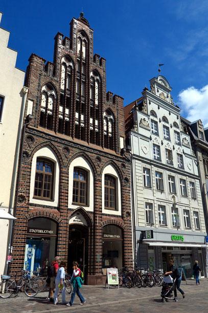 Kröpeliner Straße, Einkaufsstraße in der Altstadt von Rostock