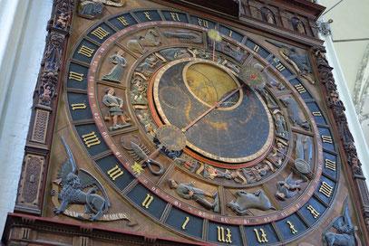 Kirche St. Marien: Astronomische Uhr von 1472.