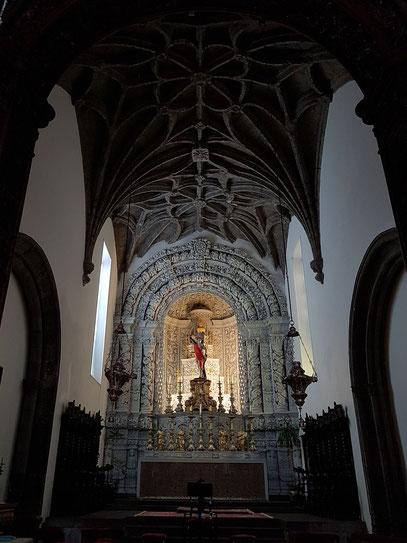 Igreja Matriz de São Sebastião, Hauptaltar aus Zedernholz