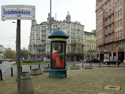 Plac Unii Lubelskiej. Auf der Litfaßsäule eine Konzertankündigung der polnischen Sängerin Natalia Sikora