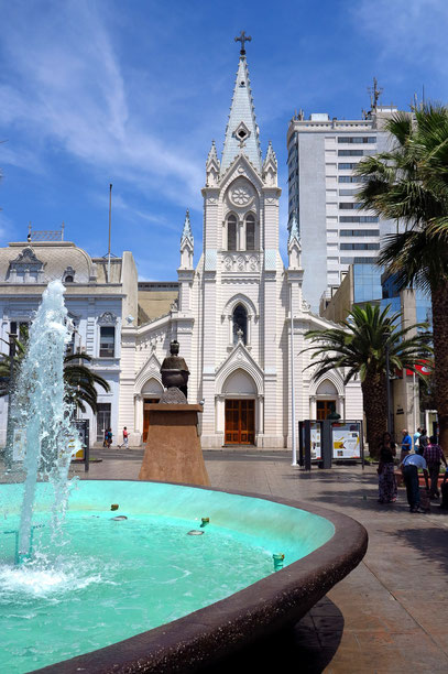 Plaza Colon, zentraler Platz in Antofagasta. Kathedrale ...