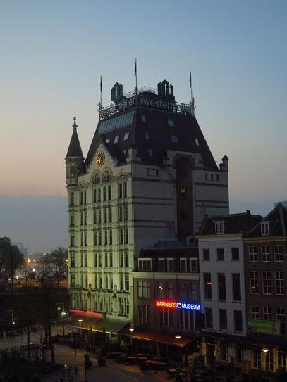Blick aus Zimmer 328 zum Witte Huis bei Sonnenaufgang