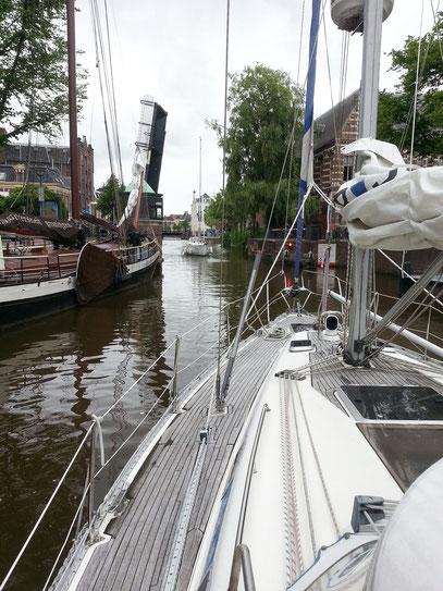 Fahrt durch die Grachten von Groningen