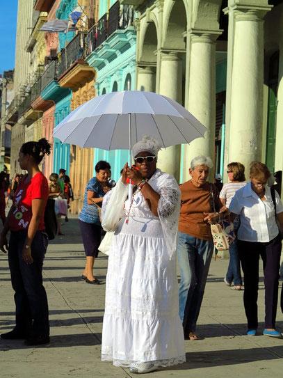 Paseo de Martí, Anhängerin des Santería-Kultes