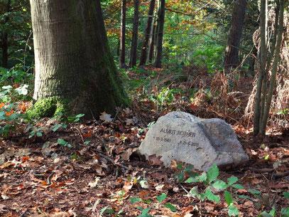 Almuts Grab unter einer Eiche, Natuurbegraafplaats Bergerbos/NL