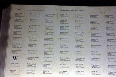 Gedenkbuch der Organisation Volksbund Deutsche Kriegsgräberfürsorge. Darin sind 63.686 auf See gebliebene oder verschollene Angehörige der ehemaligen deutschen Kriegsmarine des Zweiten Weltkrieges erfasst.