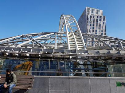 Dachkonstruktion von Rotterdam Blaak