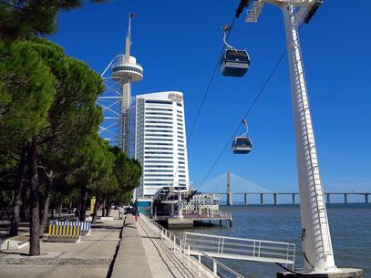 Blick zum Torre Vasco da Gama und zum Hotel Myriad