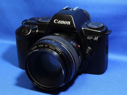 Canon EF-M EF50mm F1.4 USM付き