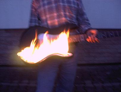 Brennende Gitarre gefertigt für Countryband Silverwood