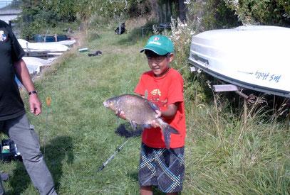 Der größte Fisch beim Schnupperangeln 2013.