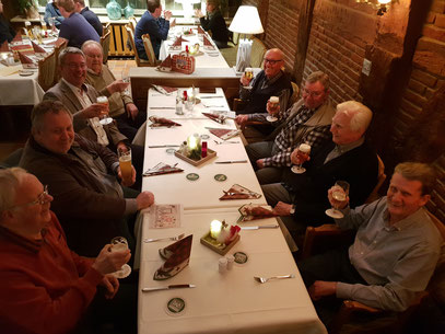 Links nach rechts: Klaus Ide, Dirk Böhning 2. Vorsitzender, Gordon Seymour 1. Vorsitzender, Rolf Wedemeyer, Henner Droste, Fritz Krumme, Fritz Hanke, Herbert Eckel